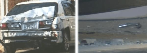 事故車両と現場に散乱する部品