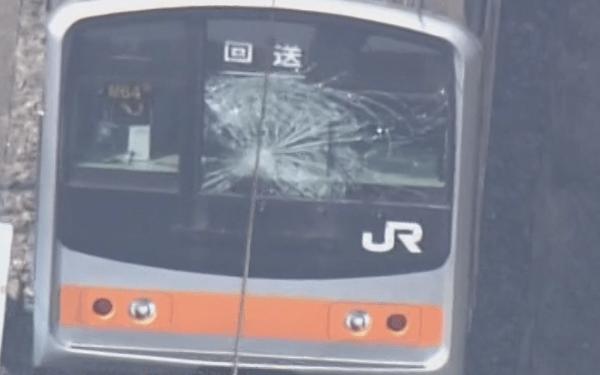 事故を起こした電車の画像