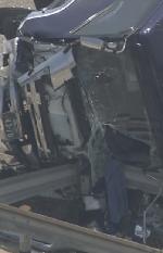 トラックのフロントガラスの画像