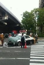 事故を起こしたパトカーの画像