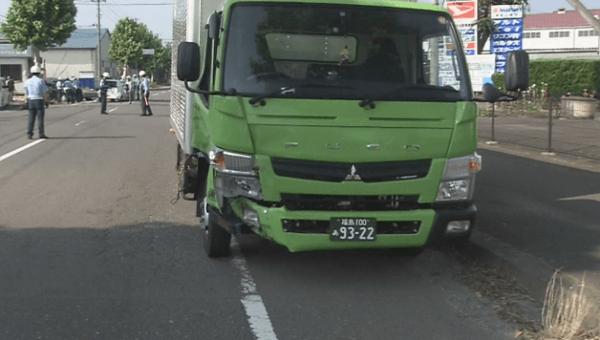 事故を起こしたトラックの画像