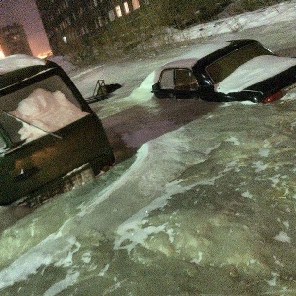 水で凍ったロシアの画像