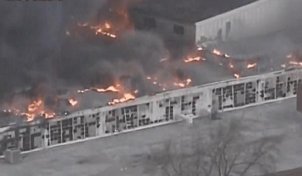 ケンタッキー州で発生中の火事の画像