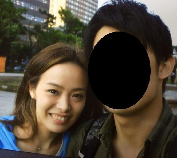 秋山智咲容疑者と婚約者男性の顔写真画像