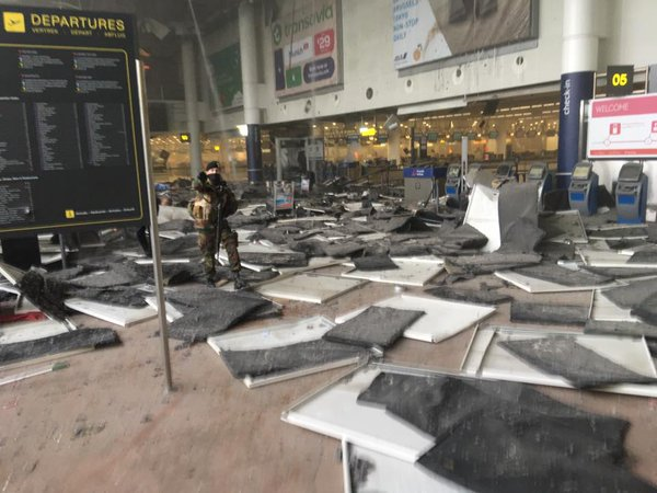 爆発したベルギー「ブリュッセル空港」の写真画像
