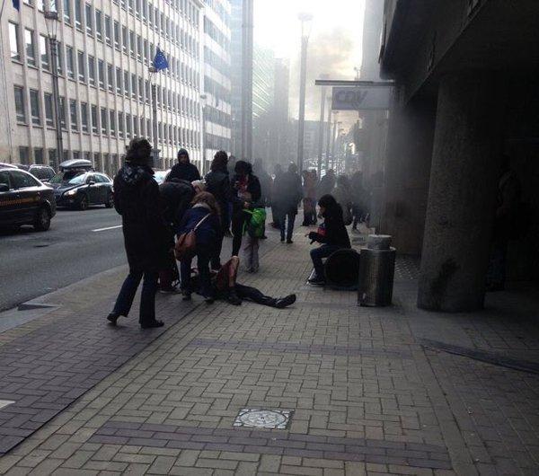 ベルギー・ブリュッセルの地下鉄の爆発現場の画像