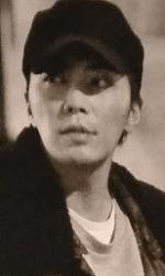 成宮がコカインをしている様子の顔写真画像