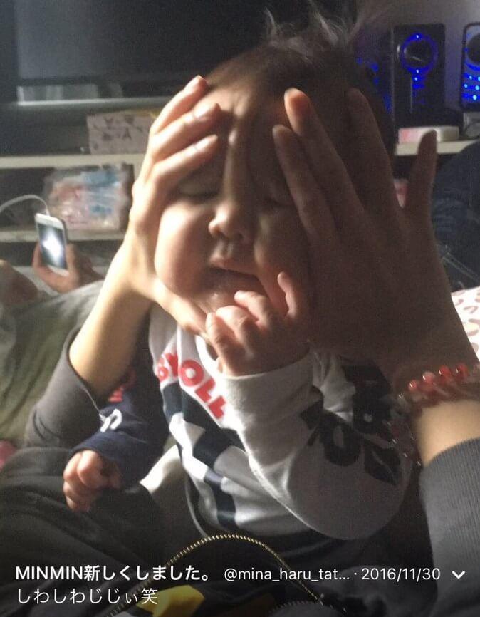 母親みなみに虐待される赤ちゃんの証拠画像