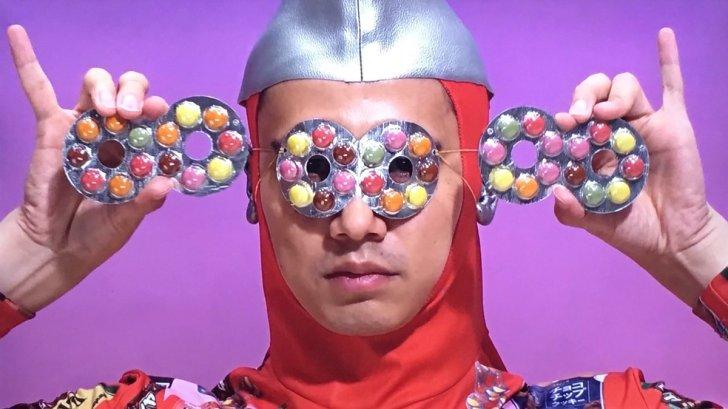 フルタ製菓のヒーロー「フルタマン」の写真画像