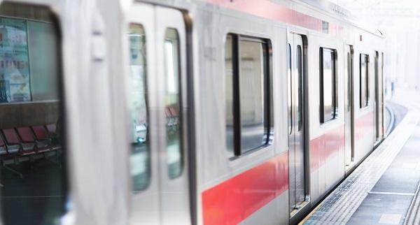三ノ宮駅で電車のドアにしがみつく事件のイメージ画像