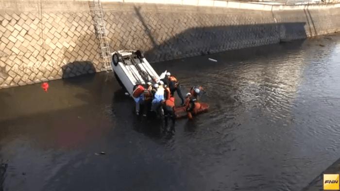 青森県青森市三内の沖館川に車が転落する死亡事故ニュースのキャプチャ画像