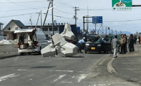 北海道湧別町のテトラポット落下事故のニュースのキャプチャ画像