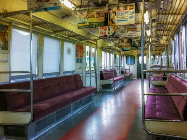 山陰線の電車内で痴漢事件のイメージ画像