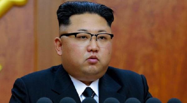 ミサイルを発射した北朝鮮の金正恩の顔写真の画像