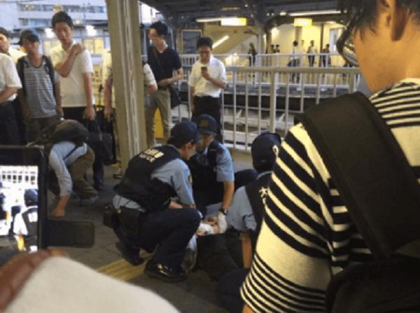京橋駅でハンマー男の殺人未遂事件のニュースのキャプチャ画像