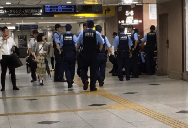 大阪駅に大量の警察官が駆けつけ騒然のニュースキャプチャ画像