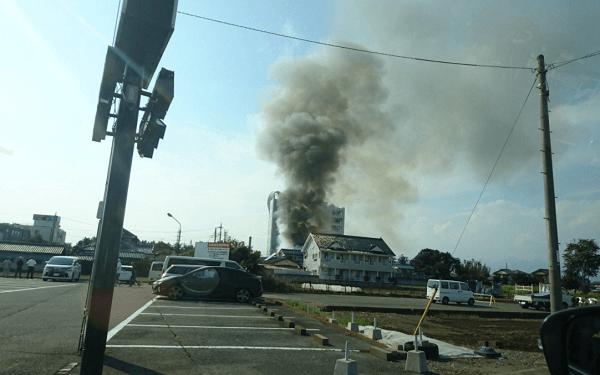 高崎市京目町の清水耳鼻咽喉科付近で火事のニュースキャプチャ画像