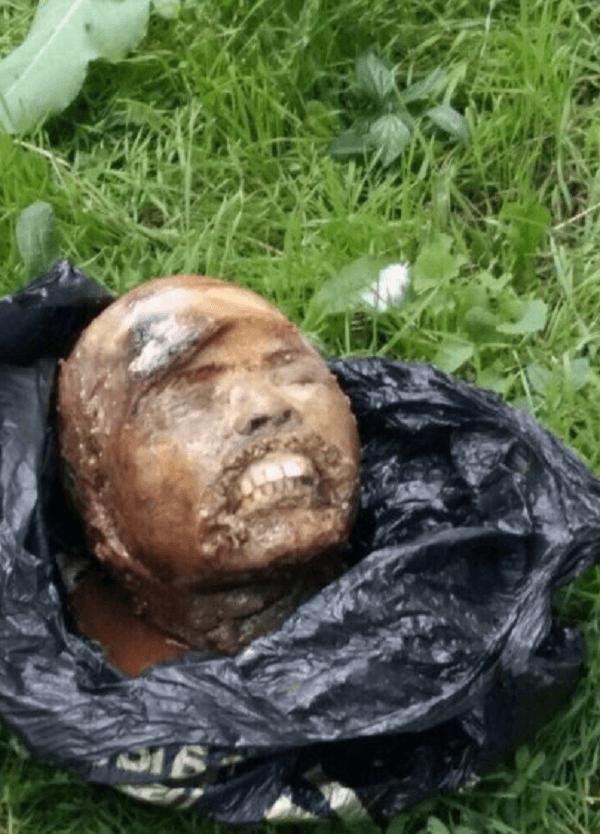 斬首された遺体の画像