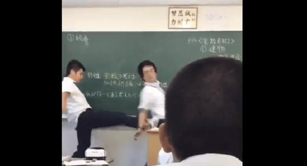 博多高校の梅野君が教師に暴行を加える画像