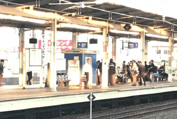 市川駅で暴行事件のニュースキャプチャ画像