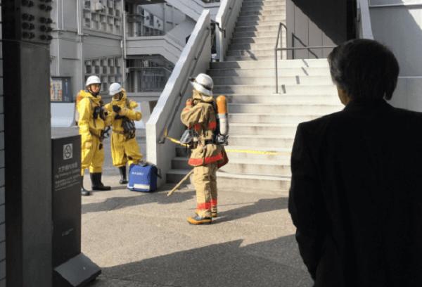 早稲田大学で塩化水素が発生の画像