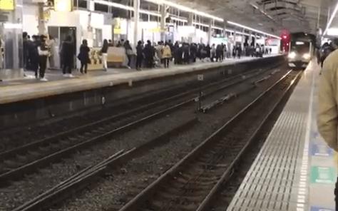 小田急小田原線の代々木上原駅で人身事故の画像