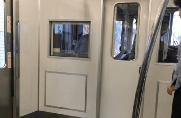 京王線の飛田給駅で人身事故の画像