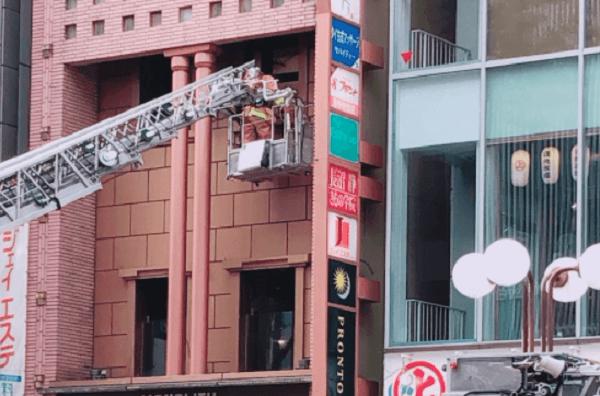 立川駅北口付近のビルで火事の画像