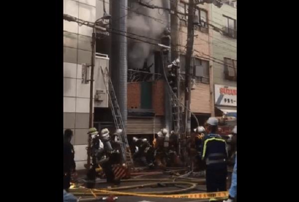 大阪市浪速区日本橋で火事の現場の画僧