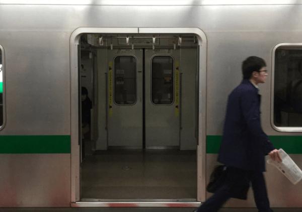 千代田線が停電で電車が遅延のニュース画像