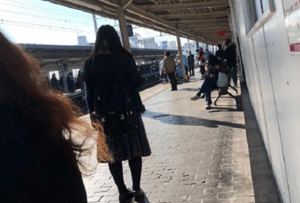 阪急京都線の上新庄駅で人身事故の現場の画像