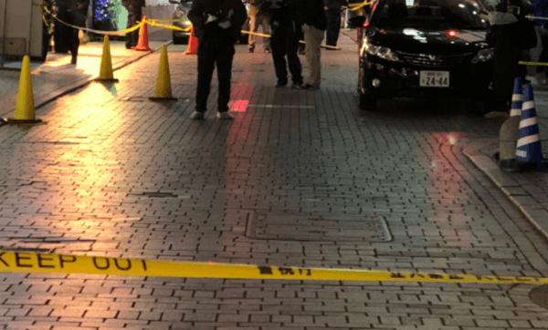 新宿サブナードの床に血痕があった事件の現場画像