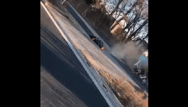 Twitterに投稿された焼死体の動画のキャプチャ画像