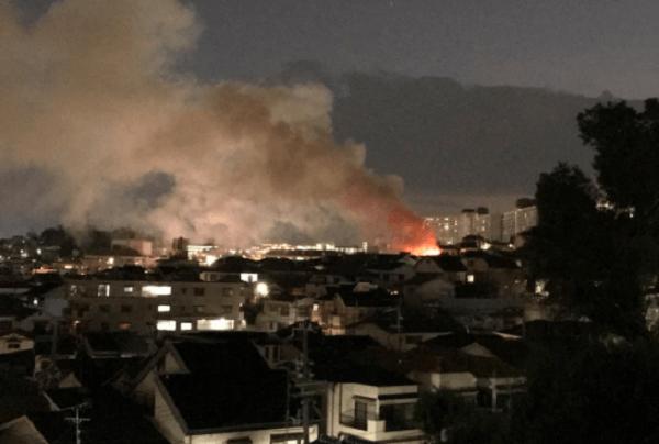 神戸市兵庫区鵯越町で火事の現場の画像