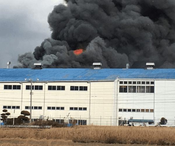 名張市西原町のブリヂストン工場で爆発火災の画像