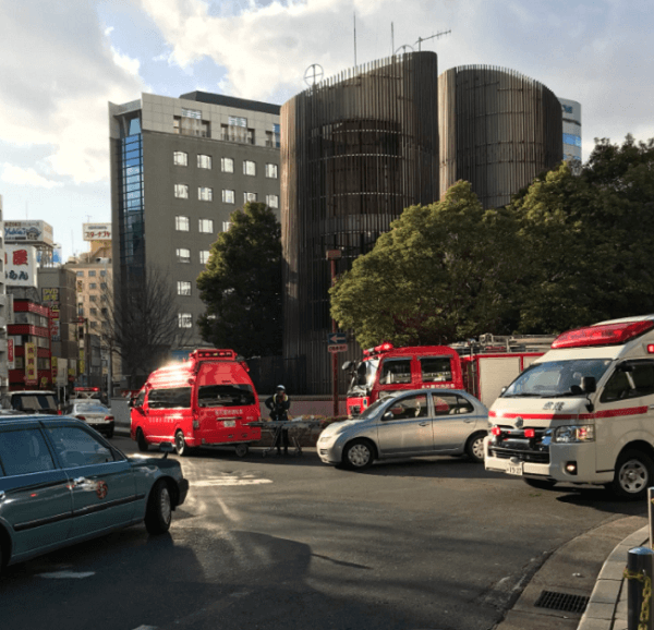 名古屋駅で貨物列車と人身事故の現場の画像
