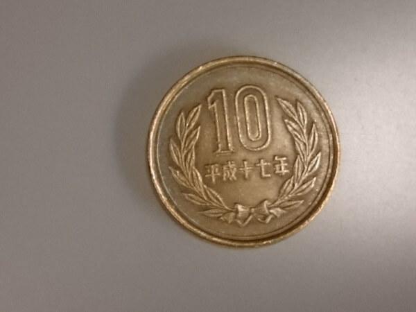 10円玉握りしめ「お腹すいた」5歳児コンビニ店員に訴え虐待発覚のニュースのイメージ画像