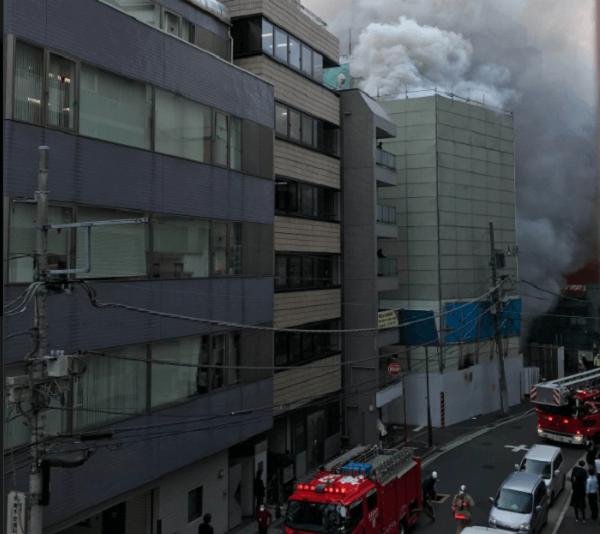 千代田区岩本町の工事現場で火事の画像