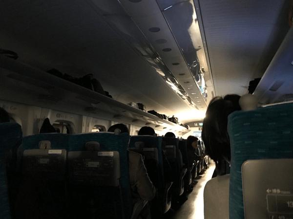 東海道新幹線が停電で緊急停車の現場の画像