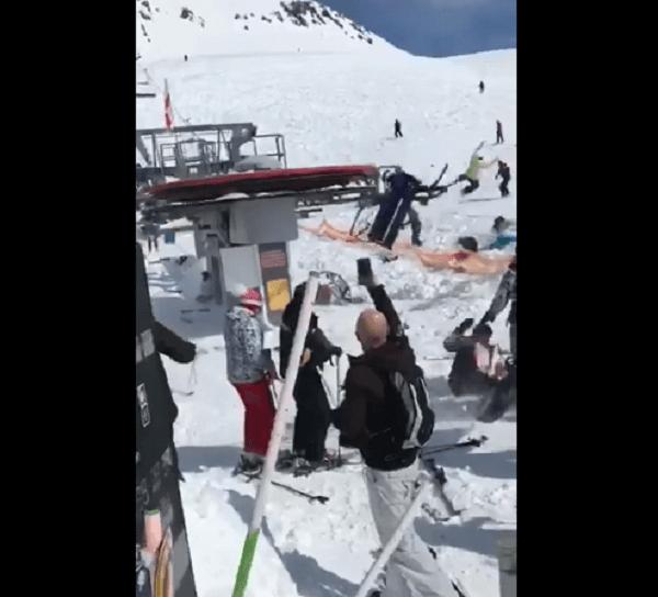 リフト逆走する暴走事故の動画のキャプチャ画像