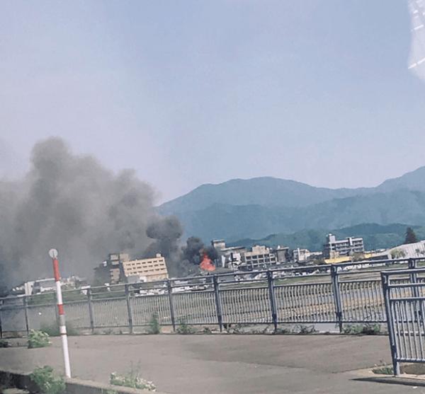 芦原温泉で火事が起きている現場の画像