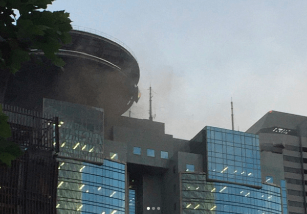 TBSの14階の喫煙所で火事の現場画像