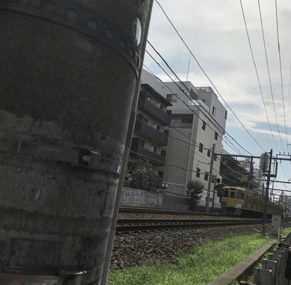 西武新宿線で人身事故の現場の画像