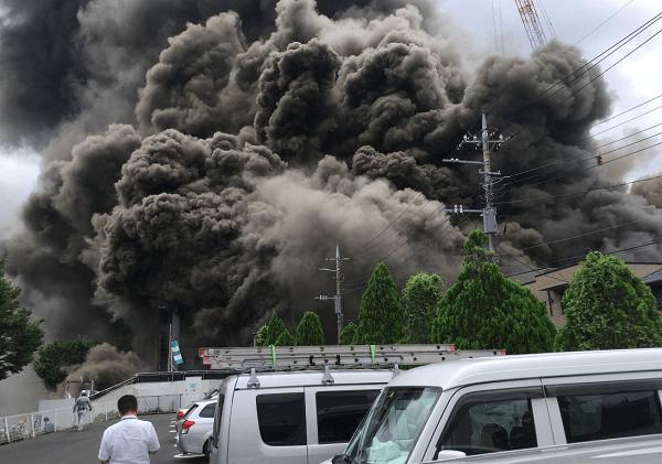 多摩市唐木田のビル建設現場で火事の現場の画像
