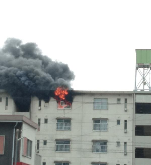 袋井市青木町のアパートで火事の現場の画像