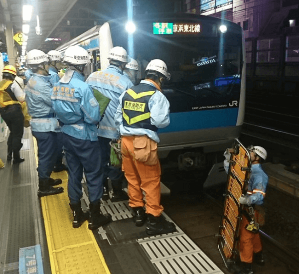 御徒町駅で人身事故の現場の画像