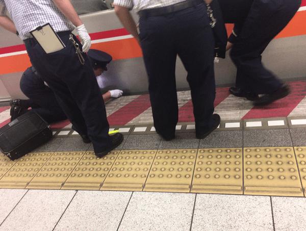 南砂町駅で人身事故の現場の画像