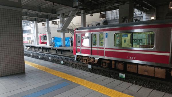 上大岡駅で人身事故の現場の画像