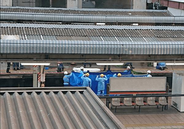 中央線(快速)の国分寺駅であずさ17号と学生が接触した人身事故現場の画像