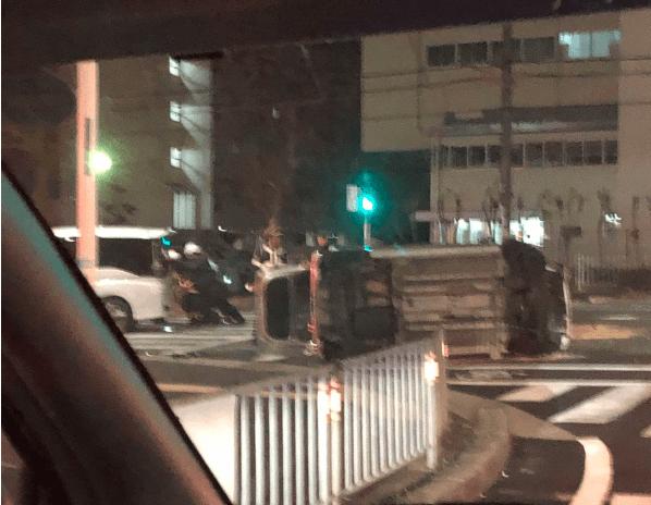 堺市美原区広国神社南の国道309号で交通事故の現場画像
